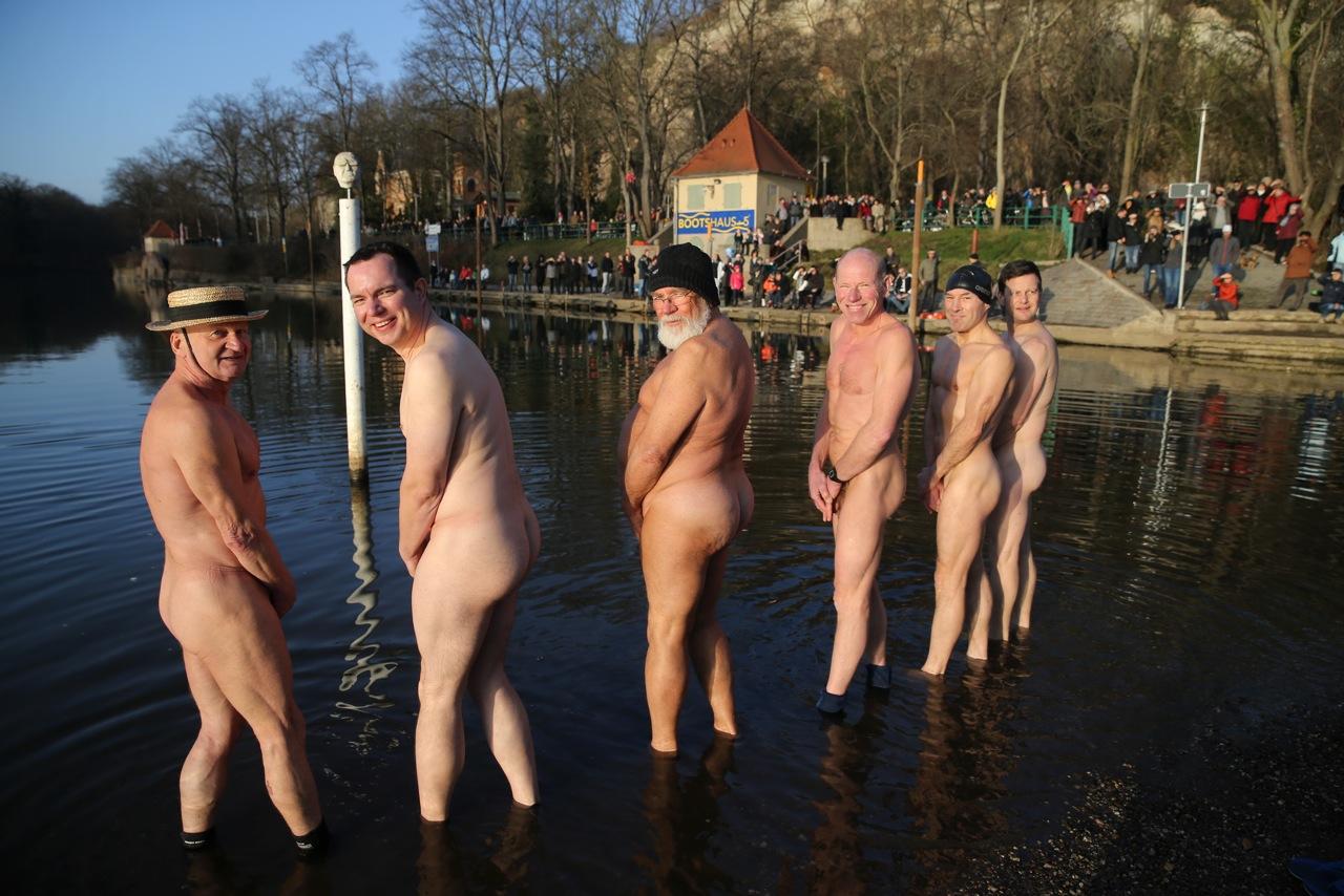 was ist ein cucki nacktschwimmen bilder